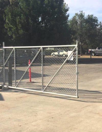 Cantilever sliding gate system Niagara Fence Burgess (2)