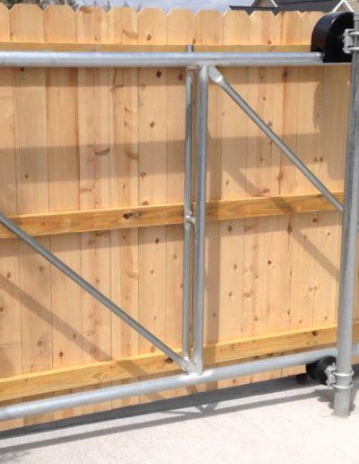 Cantilever sliding gate system Niagara Fence Burgess (3)
