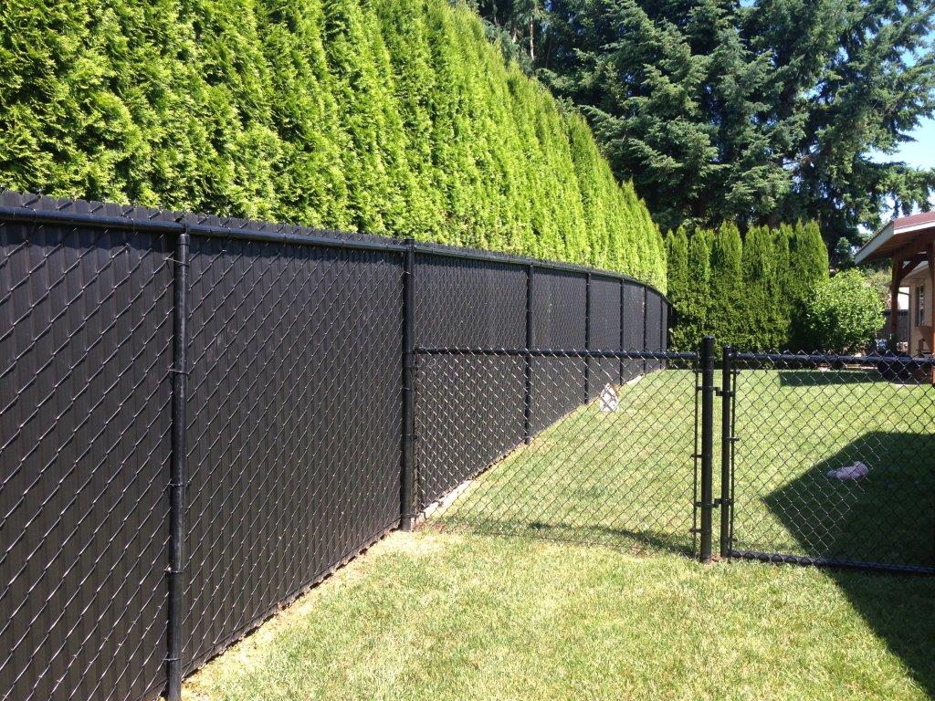Local Fence installation - The Niagara Region's Best Local Fence construction.