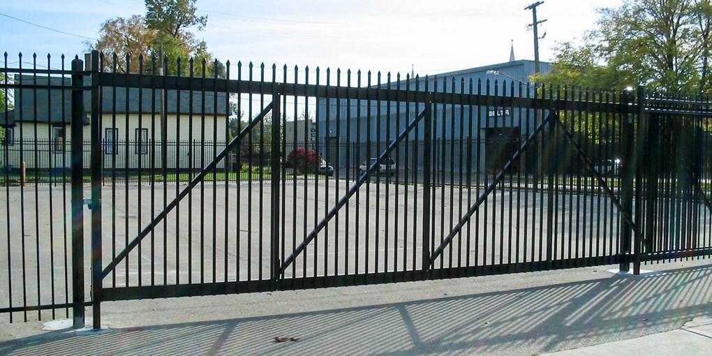 iron Fencing Experts Niagara Region (1)